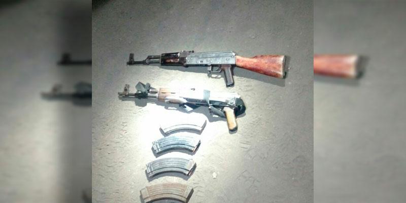 armas-decomisadas-persecucion-Apatzingan