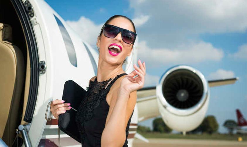 piernas-brazos-Arabian-Saudia-Airlines-prohibir-enseñar-mujeres-1