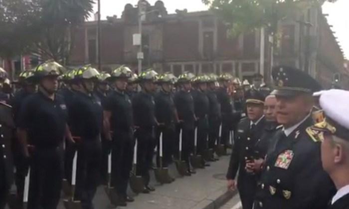 bomberos-regresan-desfile-militar-Ciudad-de-México-2017