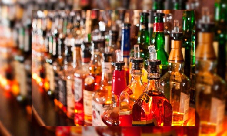 alcohol-bar-botellas