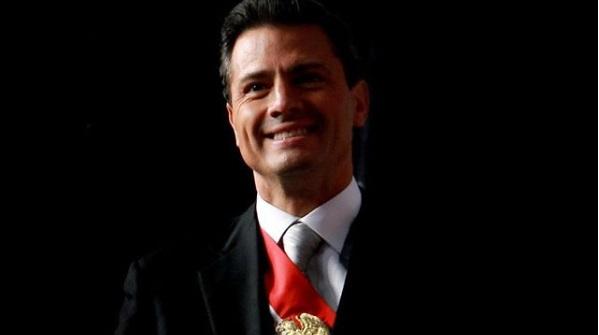 Peña Lord Cumple Sus 52 Añitos Y Mexicanos Lo Felicitan Como Saben