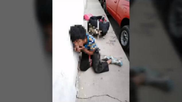 """#Vídeo """"En Mi Casa No Hay Ni Tortillas Con Sal"""": Niño Golpeado Tras Robar Un Plato De Comida"""