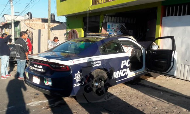 patrulla estampa casa Zitácuaro