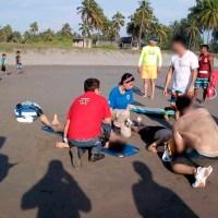 salvavidas uruapenses playa Tortuga