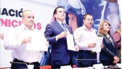 Publicación del diario ABC difundida por el alcalde de Aguililla