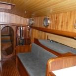 starboard setee