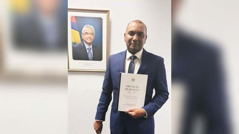 Le ministre Padayachy : « C'est un budget en équilibre » - ChannelNews