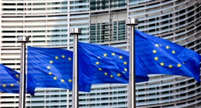 NNN: El miércoles entró en vigor una decisión de la Unión Europea (UE) de revocar las condiciones comerciales preferenciales para el 20 por ciento de las exportaciones de Camboya al bloque. En el marco del programa de comercio Todo menos armas (ABE) para los países en desarrollo, Camboya disfrutaba anteriormente de acceso ilimitado y libre […]
