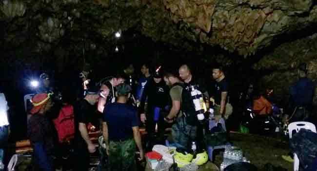 NNN: 泰国警方在周五的新闻发布会上说,它已从一辆皮卡车上查获了400万颗速丸,并在泰国北部的清莱劫持了该名 […]