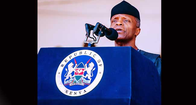 This image has an empty alt attribute; its file name is Osinbajo-at-Mois-Funeral-1.jpg