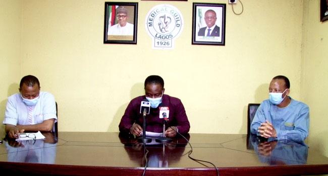 La Medical Guild a lancé un appel au gouvernement de l'État de Lagos pour qu'il s'engage correctement auprès des médecins afin de résoudre les problèmes qui ont mené à leur grève d'avertissement de trois jours. Le Dr Oluwajimi Sodipo, président de la guilde, a lancé l'appel dans une interview accordée à l'agence de presse du […]