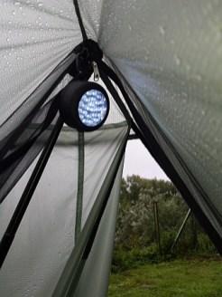 Nicht UL, aber dafür mit Lampe unterwegs: Einhaaken lässt sich diese auch.
