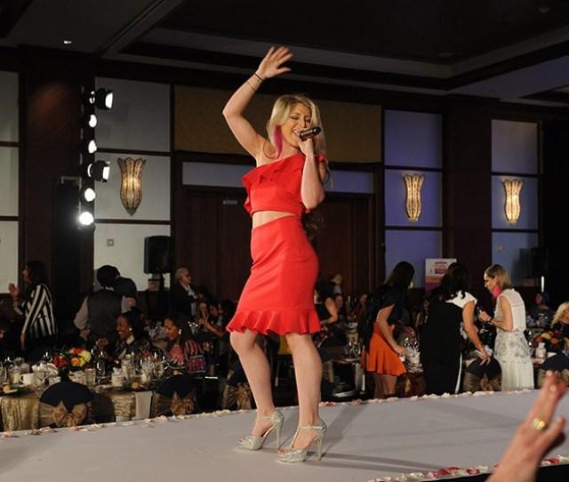 Ariel Rose Performing15
