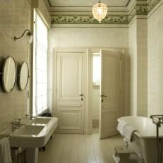 bathroom apartment hotel boulevard leopold antwerp
