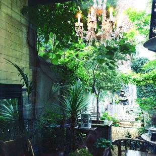 garden Hotel Boulevard Leopald breakfast room