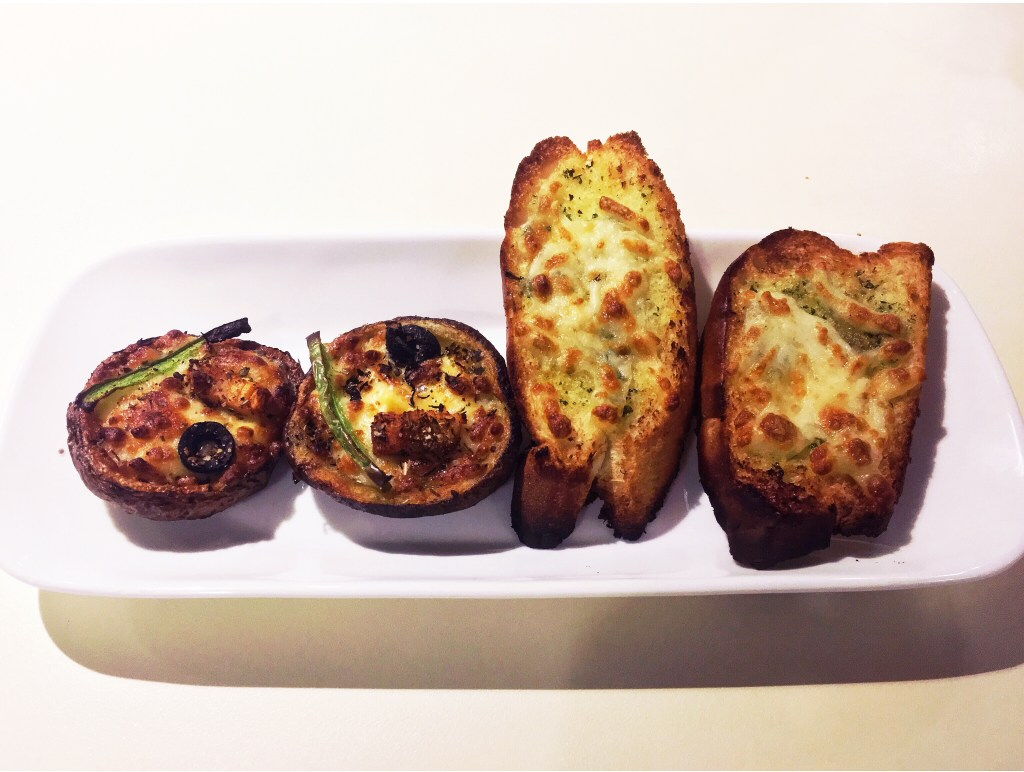 potato skins and garlic bread