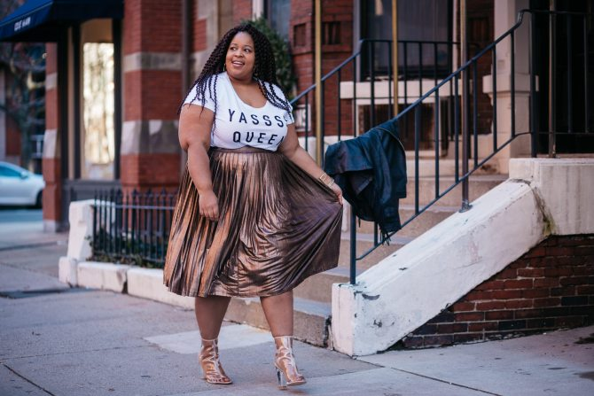 Plus Size Blogger wearing Yas Queen Shirt and leather fringe jacket