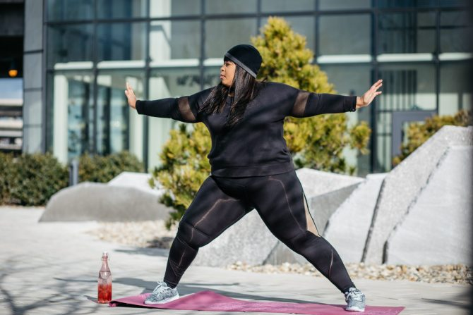 plus size women working out