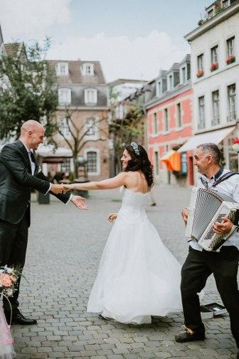 Hochzeitsreportage-Aachen-Hochzeitsfotograf-Aachen-Weisser_Saal-Eskapaden-Houda_Martin0015