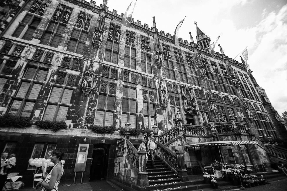 Hochzeitsreportage-Aachen-Hochzeitsfotograf-Aachen-Weisser_Saal-Eskapaden-Houda_Martin0023