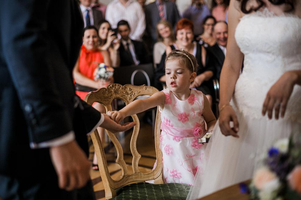 Hochzeitsreportage-Aachen-Hochzeitsfotograf-Aachen-Weisser_Saal-Eskapaden-Houda_Martin0040