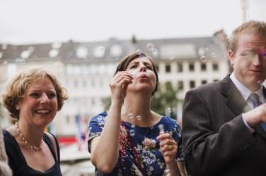 Hochzeitsreportage-Aachen-Hochzeitsfotograf-Aachen-Weisser_Saal-Eskapaden-Houda_Martin0054