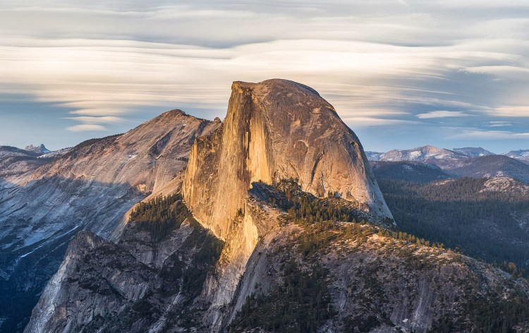 Half_Dome_from_Glacier_Point,_Yosemite_NP_-_Diliff
