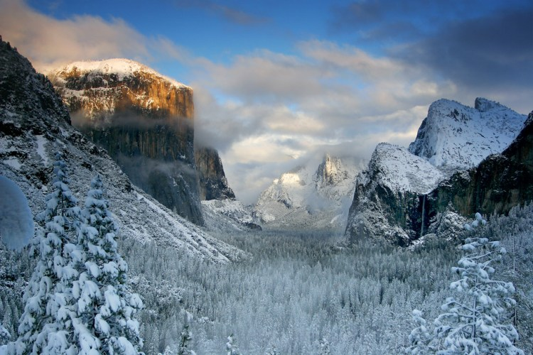 Yosemite valley, California, USA. 23