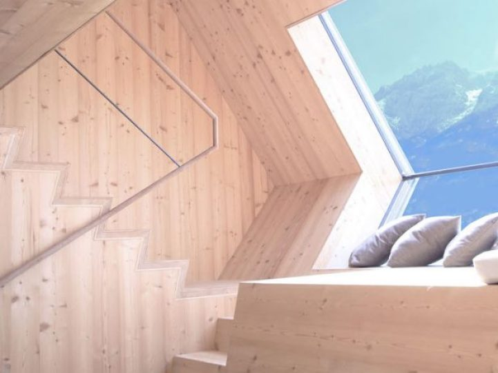 Compact Home Designed for spectacular Views of the Alps10