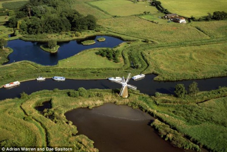 The Broads England 7_resize