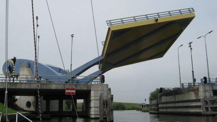 slauerhoffbrug-leeuwarden-netherlands-slauerhoff-flying-drawbridge-3