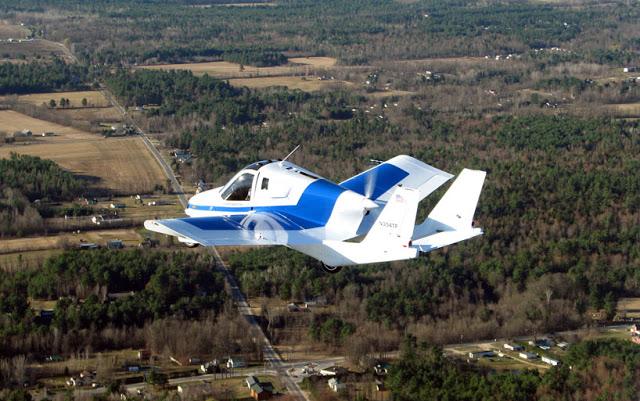 terrafugia-flying-car-public-flight-01