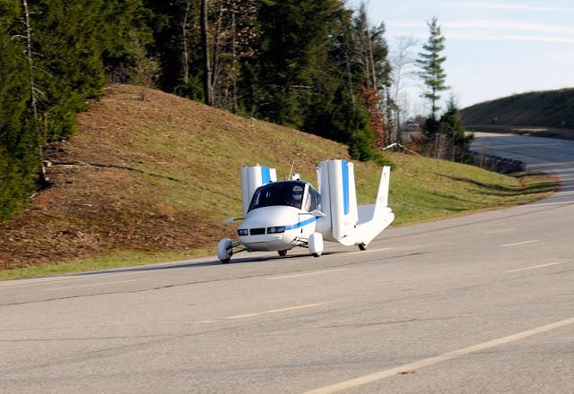 terrafugia-flying-car-public-flight-06