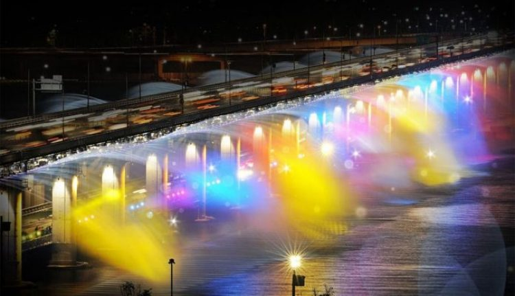 Charismatic Planet Moonlight Rainbow Bridge In Seoul Korea141922