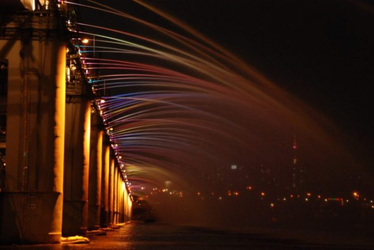 Charismatic Planet Moonlight Rainbow Bridge In Seoul Korea9