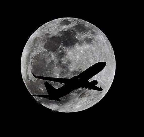 APTOPIX Lunar Eclipse