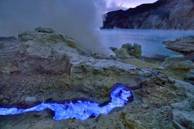 Kawah Ijen, The Volcano That Spews Blue Flames9