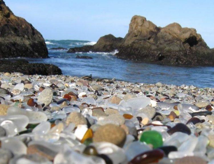 Sparkling Glass Beach of California4
