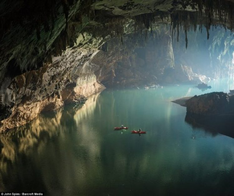 Floating on clear deep water and reflections near the cave entrance, visitors can either bring their own kayaks or rent boats from the local community to paddle deep inside the cave and marvel at its wonders