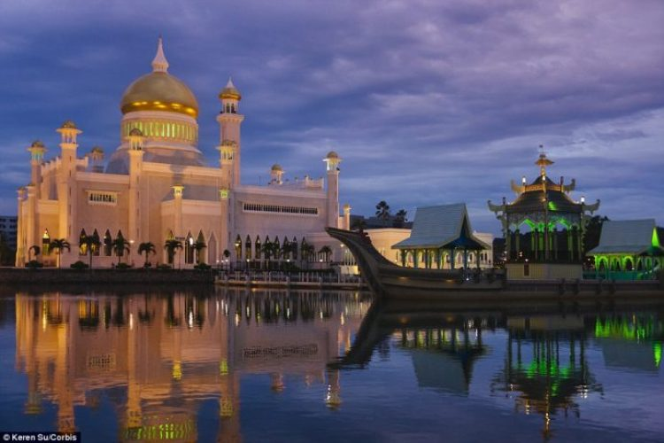 Built between 1954 to 1958, Masjid Omar Ali Saifuddien in Brunei is surrounded by an artificial lagoon
