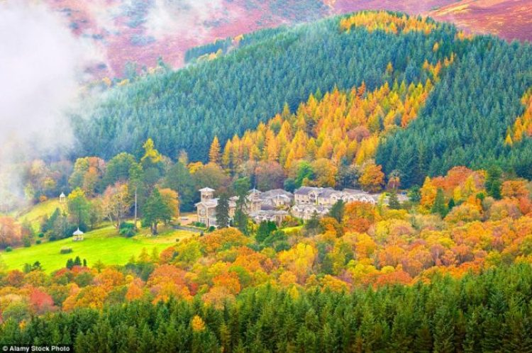 Explore the Lake District National Park on foot, bike or by boat to fully appreciate the autumnal majesty of areas such as Latrigg in Keswick