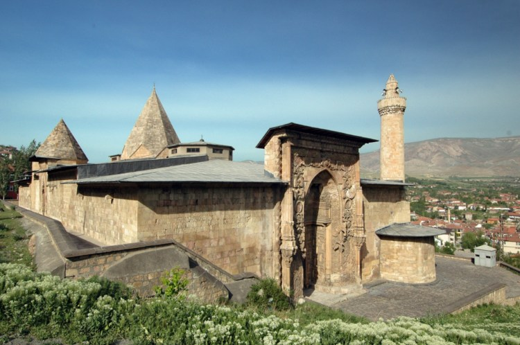 The Great Mosque of Divriği is the most splendid example of the mosques built during the Seljuk Period mixture of Baroque, Seljuk and Gothic styles,