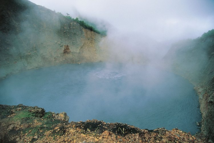 Due to phreatic eruption, the lake disappeared in 1880 and formed a fountain of hot water and steam.