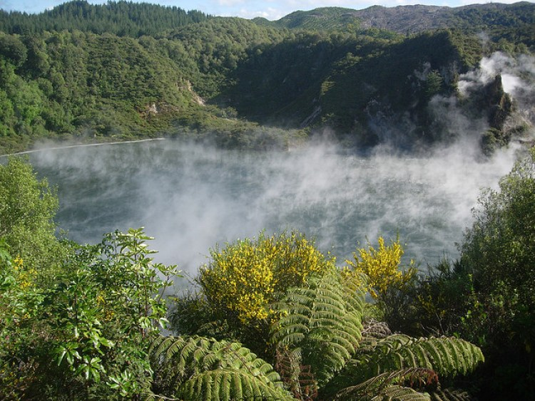 frying pan lake new zealand Waimangu volcano volcanic 5