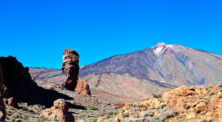 The Roque Chinchado is a unique rock formation; in fact its photographs appeared on 1000 peseta bank notes with Teide in the background.