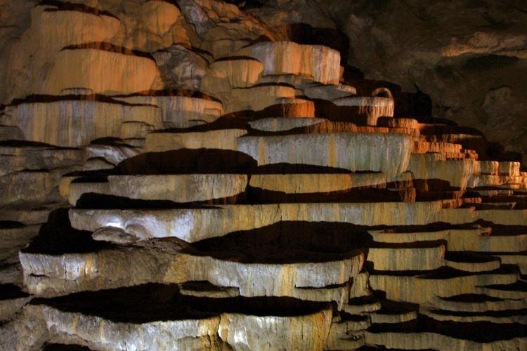 the terraces of precipitated calcium carbonate inside Skocjan.