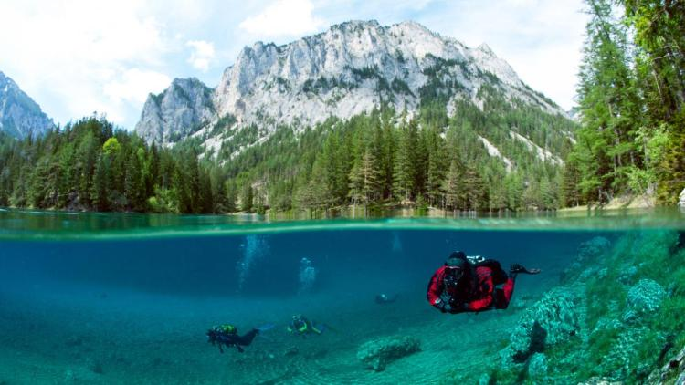 . Though, the lake temperature is rather cold at 4 to 8 °C, yet it's an admired place among divers who can feel the essence of green meadows in the edge zone of the lake chiefly in June when the water is at its highest.