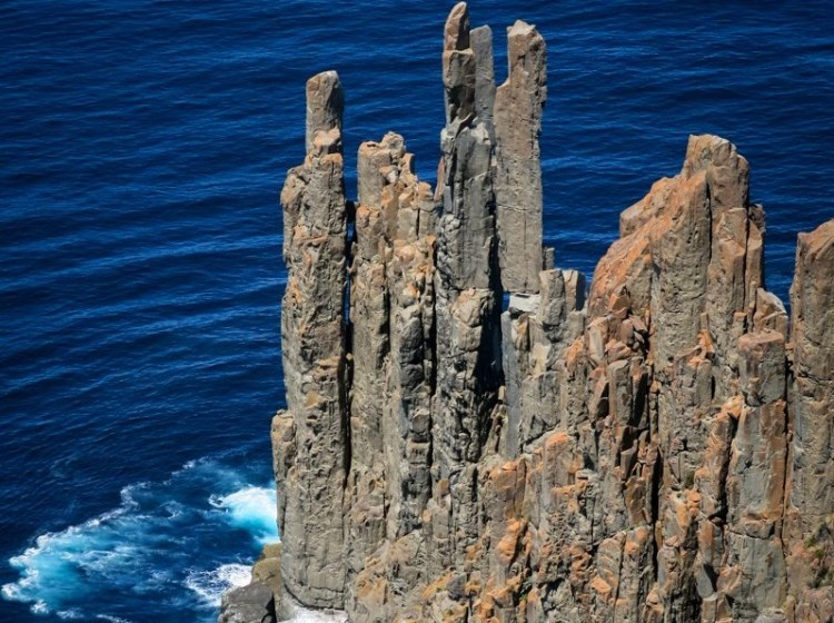 The spectacular formations that, like these in Tasmania make him glorious tourist destinations.