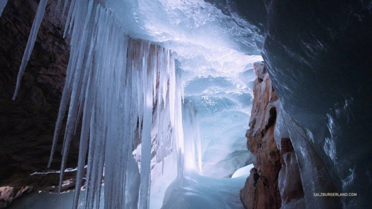 The cave is visited by approximately 200,000 tourists every year; it is the largest ice cave in the world, stretching over 42 kilometers.
