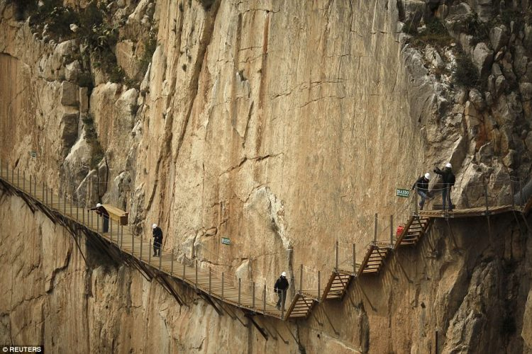 El Caminito del Rey was an extreme climbing spot, attracting daredevil holidaymakers from around the world thanks to its state of disrepair.